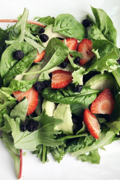 Dried blueberry salad